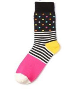 rózsaszín pöttyös zokni