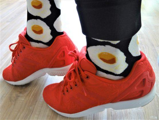 tüköstojásos zokni