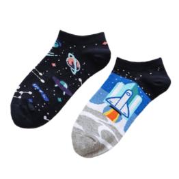 űrutazásos felemás nyári zokni
